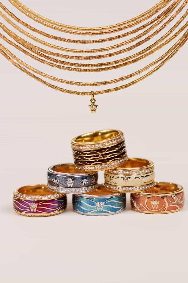 Ring Wellendorff Heidelbeere aus 750 Weißgold und Wellendorff-Kaltemaille mit mehreren Brillanten (0,537 Karat) bei Brogle