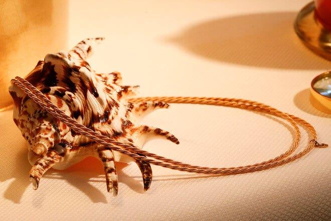 Collier Wellendorff Zarte Silky aus 750 Gelbgold mit 1 Brillant (0,017 Karat)