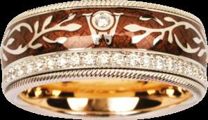 Ring Wellendorff Schokoengel aus 750 Gelbgold und Wellendorff-Kaltemaille mit mehreren Brillanten (0,487 Karat)